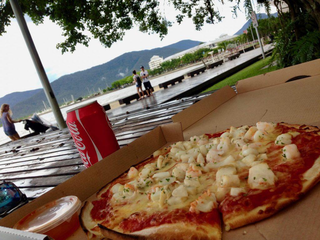 エスプラネードで食べるピザ