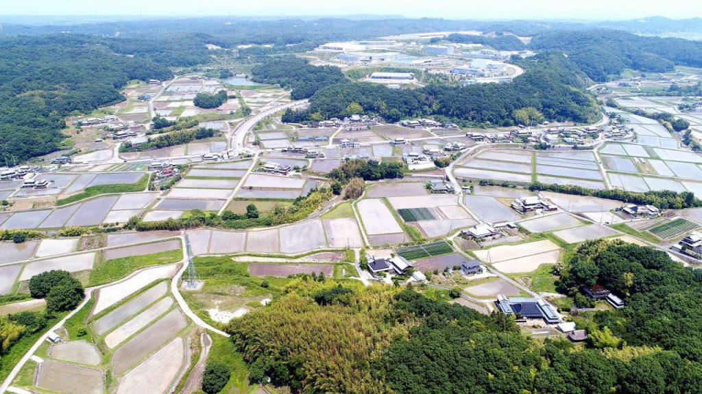 ドローンで空撮した三木市志染町戸田