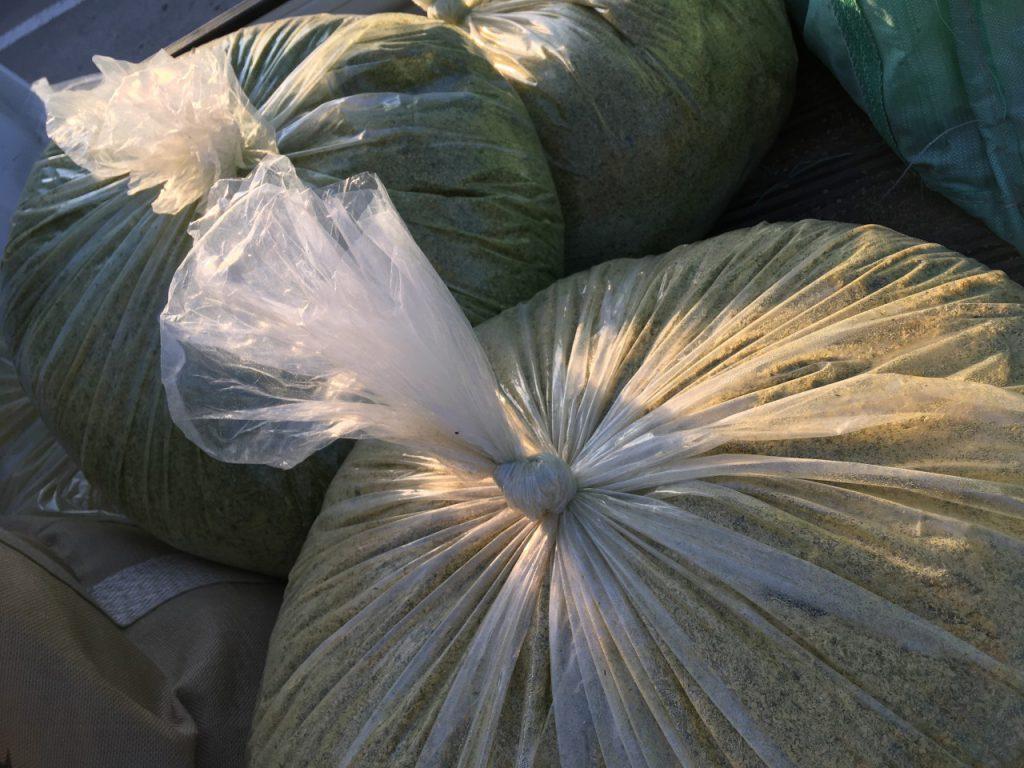 嫌気醗酵中の竹パウダー
