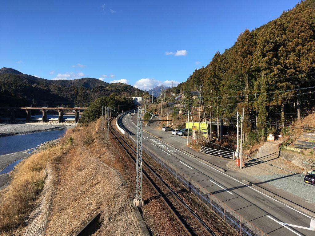塩郷の吊橋から見る景色