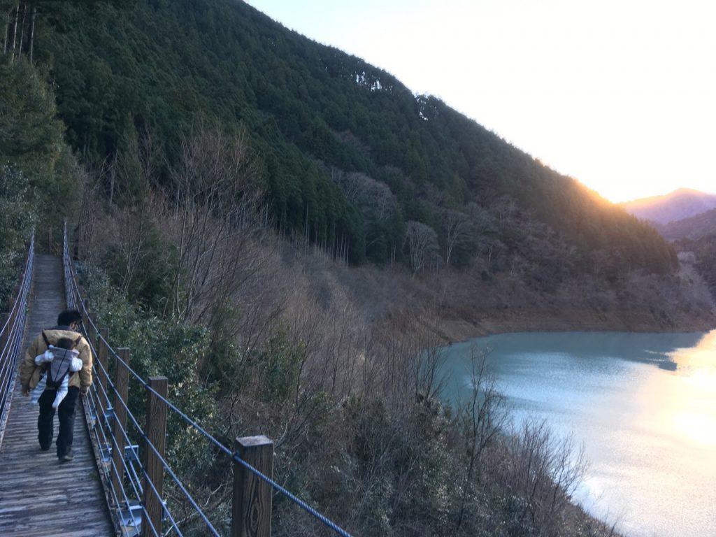 奥大井湖上駅近く