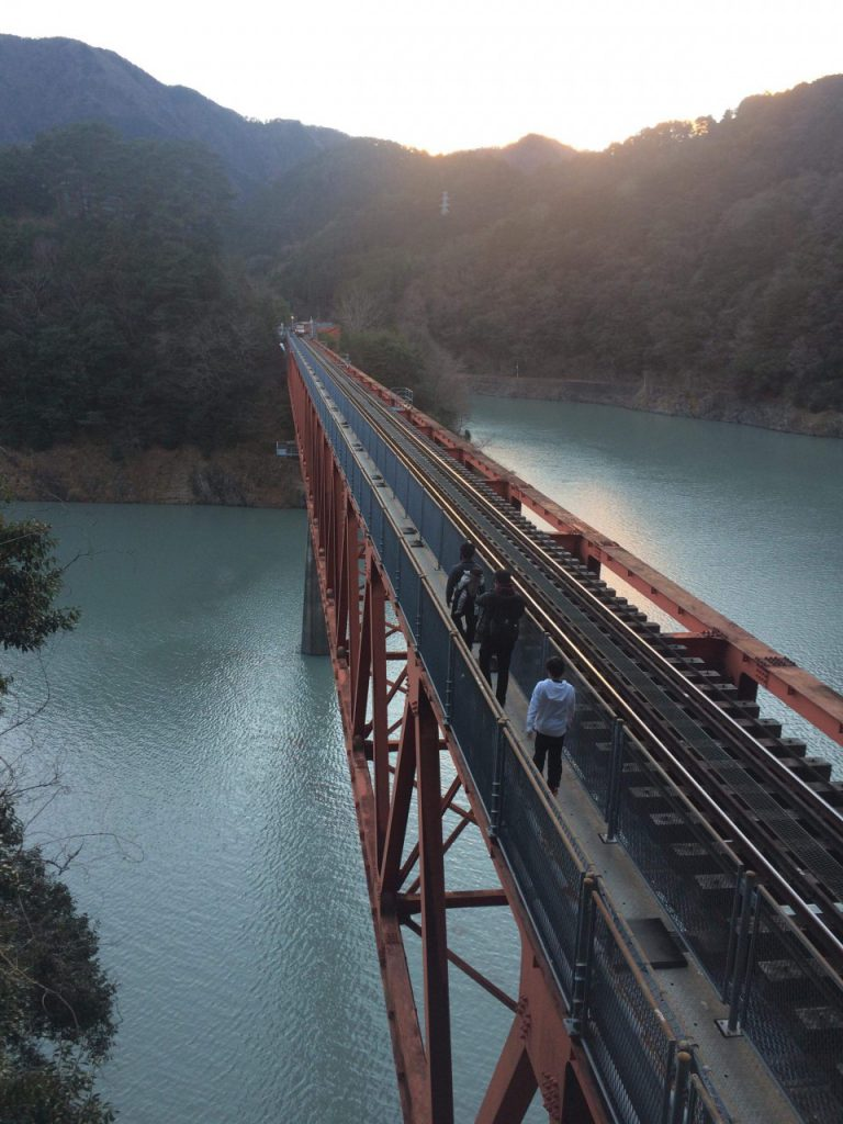 奥大井湖上駅 レインボーブリッジ
